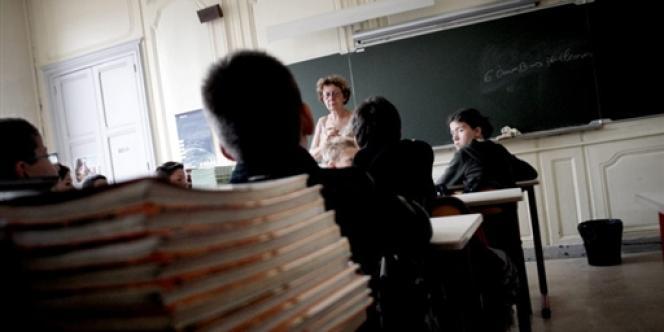 Selon le SNES, on compte un médecin pour 17 000 personnels de l'éducation.
