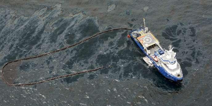 L'opération menée par BP depuis mercredi 26 mai aurait permis de juguler la fuite de pétrole.