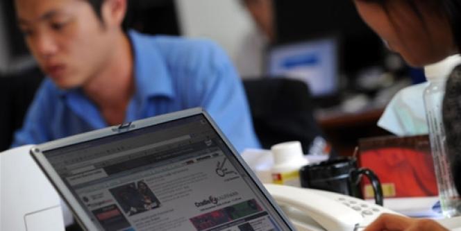 Le Web est la première source d'information pour les adolescents.