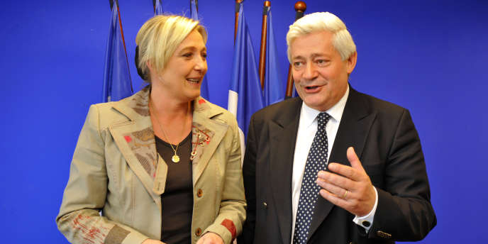 Marine Le Pen et Bruno Gollnisch, les deux candidats au poste de  président du Front national, pour succéder à Jean-Marie Le Pen.