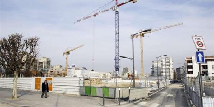 Un chantier de rénovation urbaine dans le quartier du plateau en 2010 à Clichy-sous-Bois.
