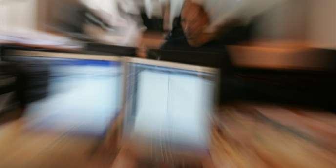 Les trois fondateurs de CodinGame – outre Mme Barral, Frédéric Desmoulins et Nicolas Antoniazzi, respectivement président et directeur technique – ont développé un logiciel qui mesure les performances des participants lors de challenges en ligne que la société propose désormais chaque mois.