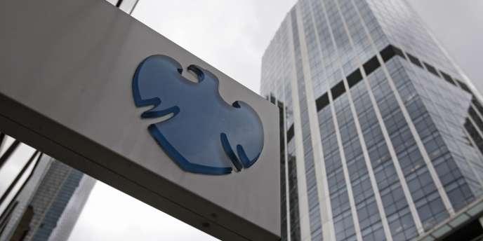 L'affaire avait éclaté fin juin lorsque Barclays avait révélé qu'elle allait payer environ 360 millions d'euros pour mettre fin à des enquêtes des régulateurs britannique et américain sur la manipulation des taux interbancaires.