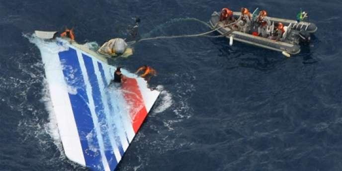 Parti de Rio vers Paris le 1er juin 2009,  l'avion d'Air France s'est écrasé peu après le décollage dans l'Atlantique.