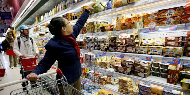 Dans un supermarché U du centre-ville de Lyon, en novembre 2005.