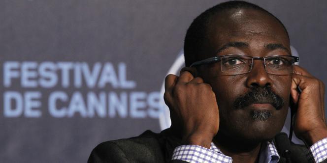 Le réalisateur tchadien Mahamat Saleh Haroun lors d'une conférence de presse au 63e Festival de Cannes, le 16 mai 2010.