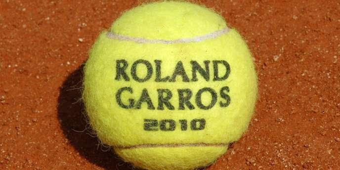 Pour accueillir Roland-Garros, un nouveau complexe dans le Grand Paris coûterait 600 millions d'euros.
