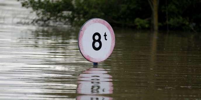 Les dégâts provoqués par les inondations risquent de coûter plus de 2,43 milliards d'euros.