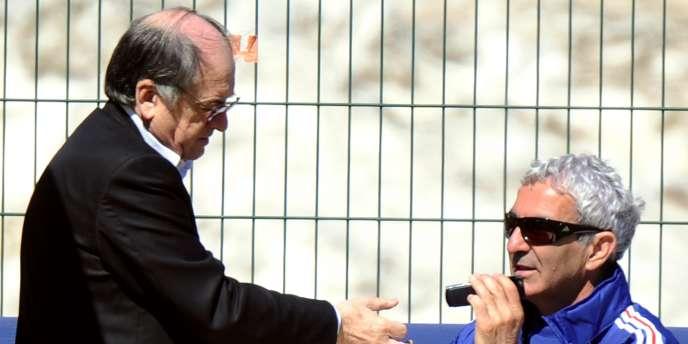 Noël Le Graët et  Raymond Domenech à Tignes, le 24 mai.