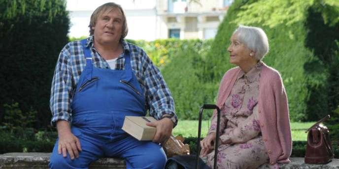 Gérard Depardieu et Gisèle Casadesus dans le film français de Jean Becker,