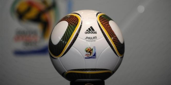 Jabulani, ballon officiel du Mondial 2010.