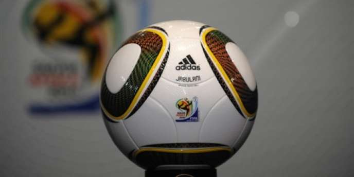 Jabulani, ballon officiel du Mondial 2010.