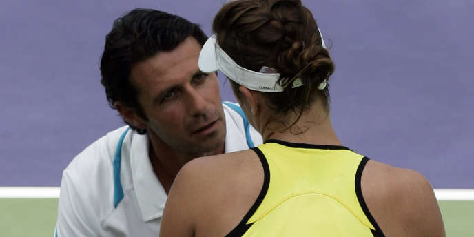 Patrick Mouratoglou avec sa joueuse Anastasia Pavlyuchenkova lors du tournoi d'Indian Wells en 2009