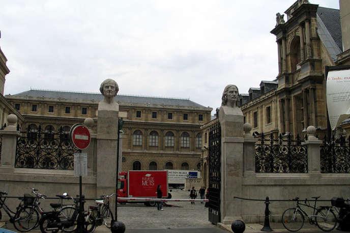 Même s'ils en ont le droit, très peu de bacheliers entrent aux Beaux-Arts de Paris dans la foulée du baccalauréat.