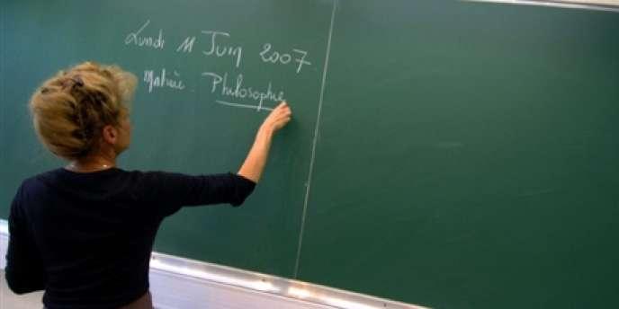 Dans certains pays comme la Finlande, souvent citée en exemple en matière de formation des enseignants, les chefs d'établissement sont responsables du recrutement de leur équipe pédagogique.