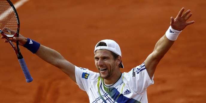 Jürgen Melzer a atteint en 2010 les demi-finales à Roland-Garros. Pour la Coupe Davis, il jouera sur une surface proche de celle de la Porte d'Auteuil.