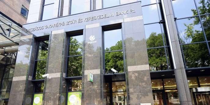 Le projet de réforme de la Banque centrale hongroise (MNB), déposé le 14 décembre, mettrait à mal son indépendance, redoutent le FMI, Bruxelles et l'institution.