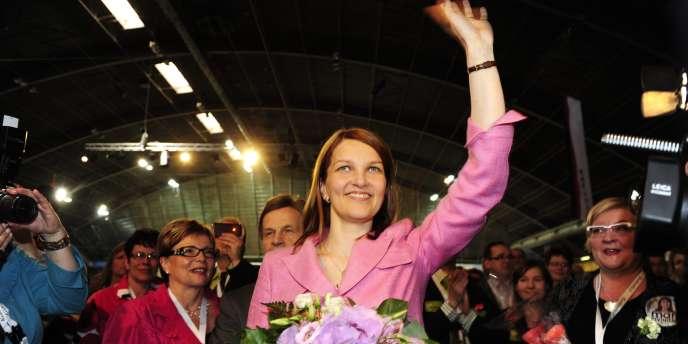 Mari Kiviniemi lors de son élection à la tête du Parti du centre.