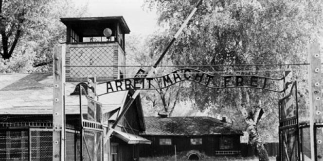 L'entrée du camp de concentration d'Auschwitz.