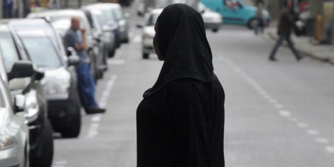 Le port de la burqa ou du niqab est déjà prohibé dans des villes importantes comme Barcelone.
