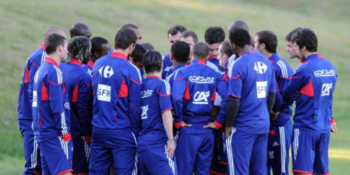 Le 20 juin 2010, lors de la Coupe du monde de football, les Bleus ont boycotté l'entraînement à Knysna (Afrique du Sud).