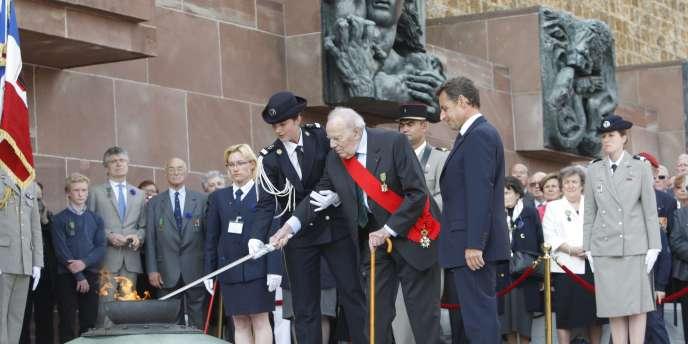 Nicolas Sarkozy s'est rendu au mont Valérien à l'occasion de la cérémonie de commémoration de l'appel du 18 juin.