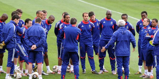 L'équipe de France à l'entraînement, lundi 21 juin.