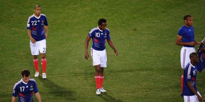 L'équipe de France après sa défaite contre l'Afrique du Sud, mardi 22 juin.