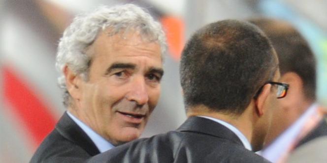 Raymond Domenech quitte les Bleus sur une défaite contre l'Afrique du Sud (1-2)