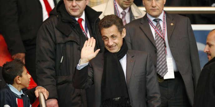 Nicolas Sarkozy au Parc des Princes pour le match PSG-Dynamo Kiev en avril 2009.