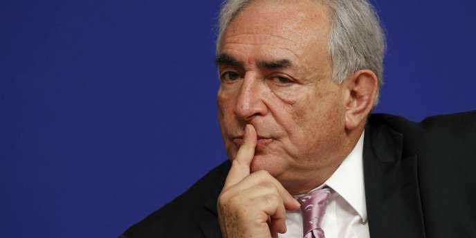 L'ancien ministre est décrit par un de ses proches, Jean-Christophe Cambadélis, comme un