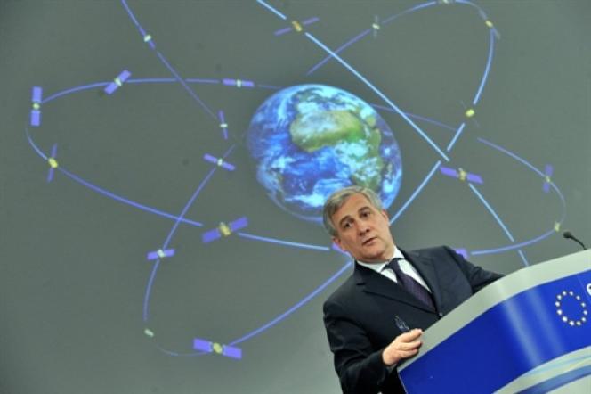 « Galileo offrira de nouvelles perspectives commerciales, et permettra aux utilisateurs quotidiens de profiter de services de navigation par satellites de plus en plus perfectionnés », a assuré Antonio Tajani, le commissaire européen chargé de l'industrie, en décembre 2013.