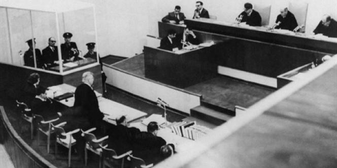 Adolf Eichmann devant ses juges, à Jérusalem, le 11 avril 1961.