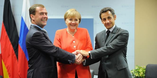 Dmitri Medvedev, Angela Merkel et Nicolas Sarkozy à Toronto, le 27 juin 2010.
