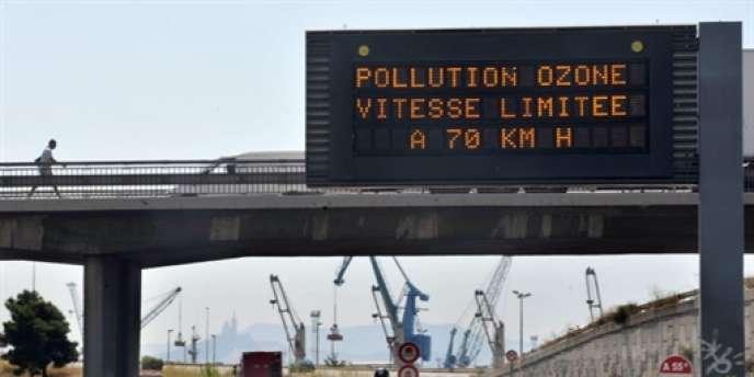 Par ailleurs, 98 % de la population urbaine était exposée en 2011 à des concentrations d'ozone supérieures aux recommandations de l'OMS.