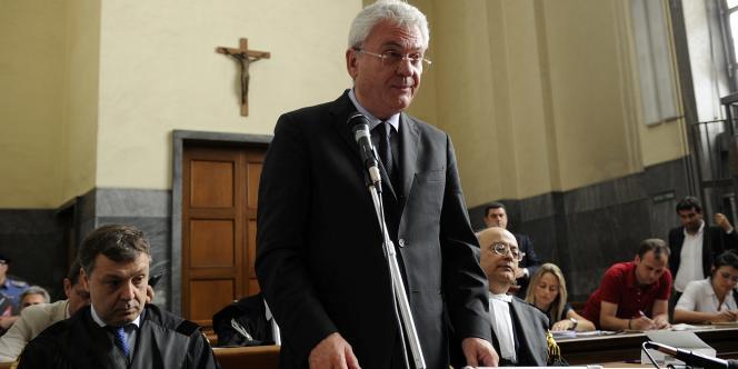 Ancien haut responsable de Fininvest, l'empire médiatique de Berlusconi, Aldo Brancher avait demandé à bénéficier de l'immunité ministérielle afin de surseoir aux poursuites judiciaires dont il fait l'objet pour détournement de fonds.