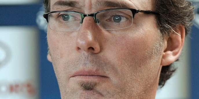La suspension de plusieurs cadres de l'équipe de France contraint Laurent Blanc à revoir ses plans de jeu.