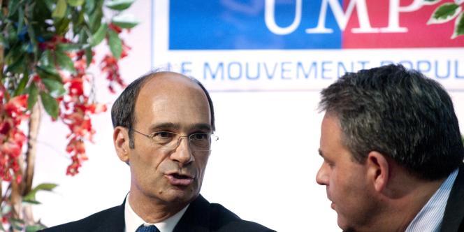 Eric Woerth et Xavier Bertrand, le 6 juillet 2010, au Raincy (Seine-Saint-Denis).
