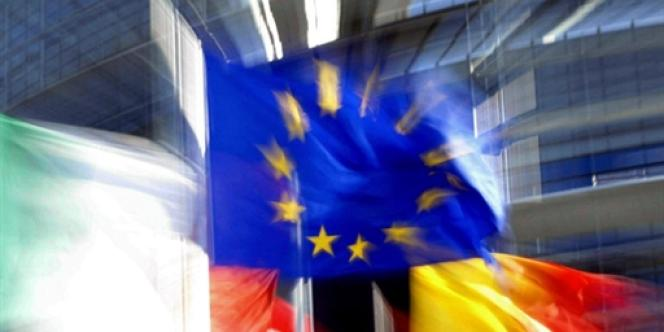 En Europe, il n'y a ni transferts budgétaires entre les pays, ni coordination des politiques budgétaires nationales en fonction d'un optimum européen préalablement défini.