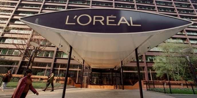 L'entrée du siège du groupe de cosmétiques L'Oréal à Clichy (Hauts-de-Seine).