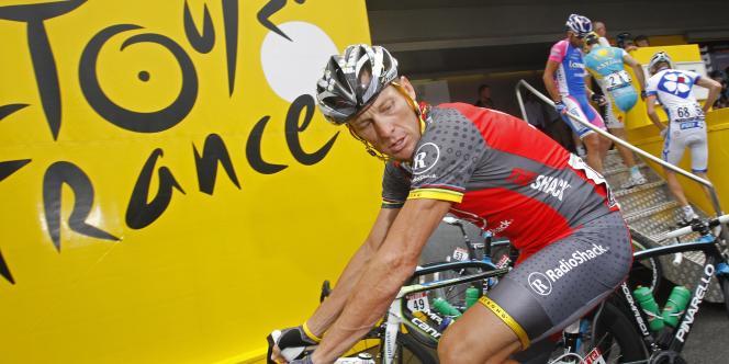 Lance Armstrong, le 9 juillet à Gueugnon lors de la 6e étape du Tour 2010.