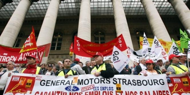 Le syndicat CGT s'opposait à la CFDT, à la CFTC et à FO, et appelait à refuser l'accord prévoyant gel des salaires et suppressions de RTT.