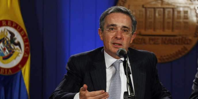 Alvaro Uribe, le 16 juillet 2010, à Bogota.