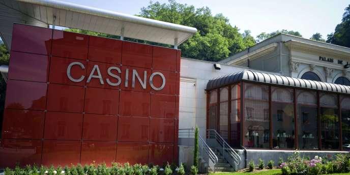 Vue du casino d'Uriage-les-Bains en juillet 2010.