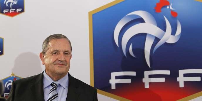 Fernard Duchaussoy lors de son élection à la tête de la Fédération française de football, le 23 juillet.