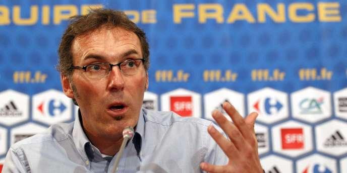 Laurent Blanc décide d'imposer d'emblée son autorité sur l'équipe de France.