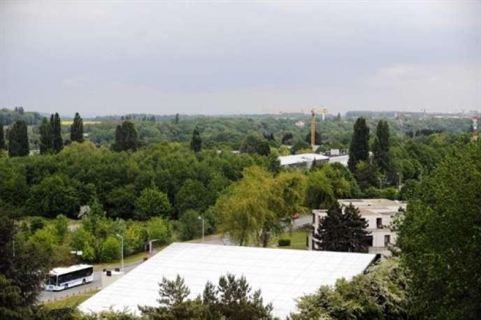 Vue d'ensemble du plateau de Saclay, en mai 2010, qui devrait accueillir un campus francilien d'excellence.