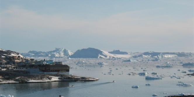 Le glacier du Jakobshavn au Groenland en mai 2008.
