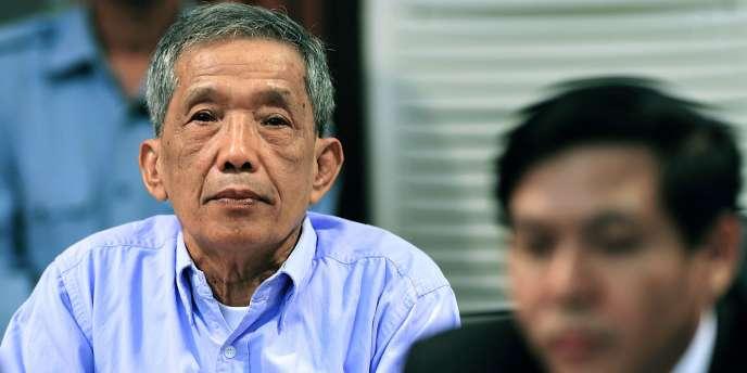 Duch, l'ancien dirigeant de S-21, a été condamné à la réclusion à la perpétuité en 2012 par un tribunal parrainé par l'ONU, après avoir reconnu les faits.