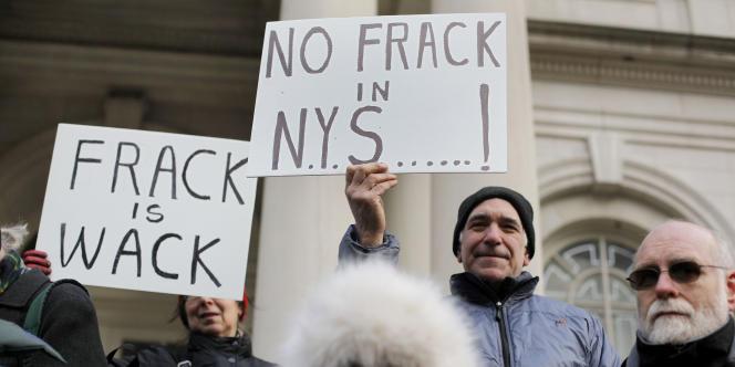 Manifestation, le 4 janvier 2010 à New York, pour protester contre les dangers pour l'environnement de l'extraction des gaz de schistes.